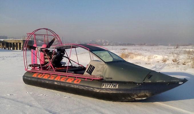 Аэролодка зимой с кабиной